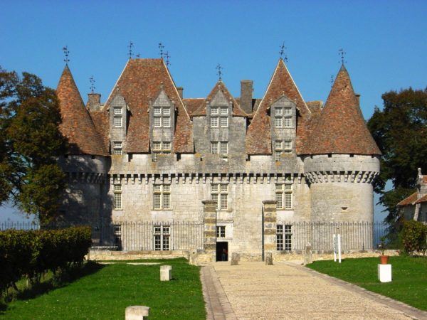 monbazillac chateau yoga retreat southwest france