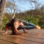 astavakrasana-yoga-retreat-nicaragua