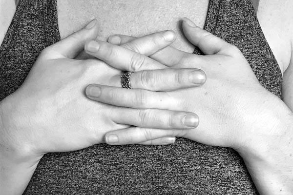 hand mudra for trust