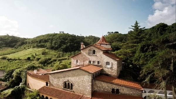 yoga retreat in Portugal accommodation