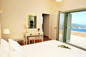 lefkas greece yoga retreat july 2019