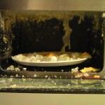 電子レンジで爆発する危険なものや卵などの食べ物を紹介