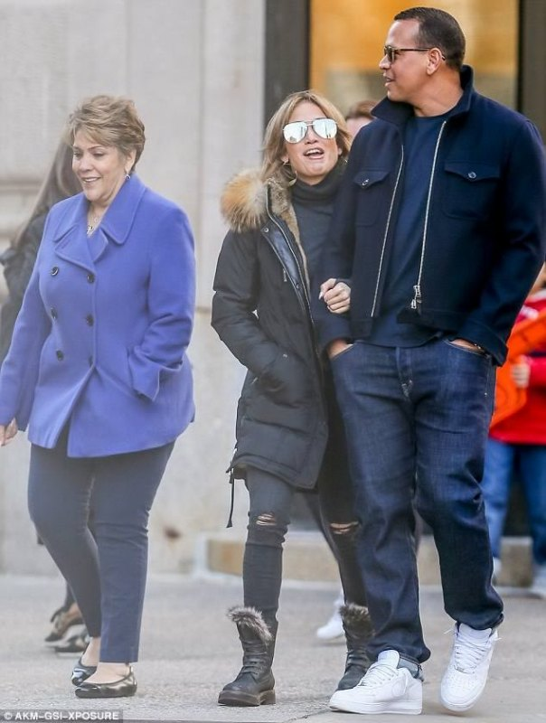 Jennifer Lopez Has Introduced Boyfriend Alex Rodriguez To Her Mother