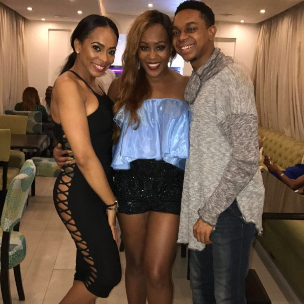 Fans React After TBoss Is Pictured Without Pant At An Event (2)