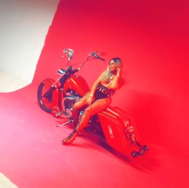 Shatta Michy On A Bike In Provocatively Sexy Go Shoddy Video Shoot (4)