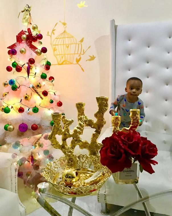 Tonto Dikeh Shares Stunning Xmas Photo Featuring Her Son (2)
