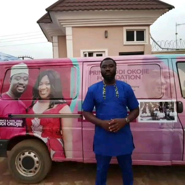 Mercy Johnson And Husband Prince Odi Okojie Donate Food To The Needy (5)