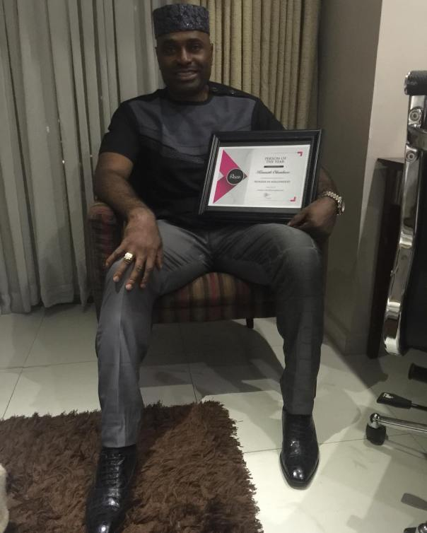 PIONEER IN NOLLYWOOD Kenneth Okonkwo Honoured With PERSON OF THE YEAR By Glazia Magazine (2)