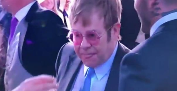 Elton John Licks His Lips After Kissing David Beckham On The Mouth (4)