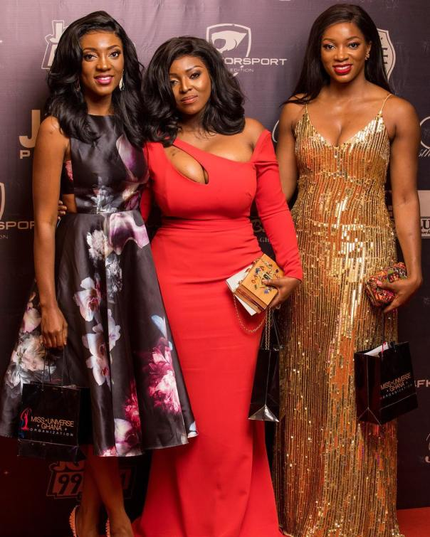 Yvonne Okoro With Sisters At 2018 Miss Universe Ghana (2)