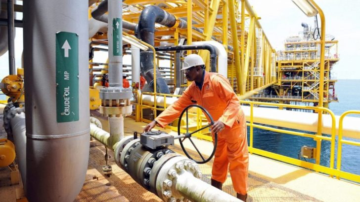 Price of brent crude oil rises to $70 on output cuts