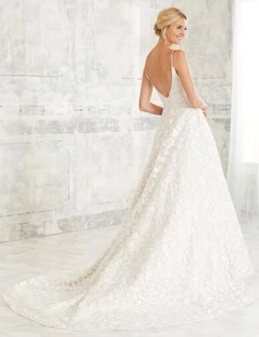Adrianna-Papell-Amelias-Clitheroe-Wedding-Dresses-Lancashire-AP-31125-1