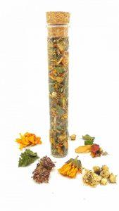 potion pour bain de vapeur visage aux plantes, rose, ortie, calendula, reine des près, ortie, trèfle rouge