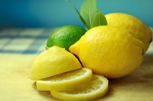 Consommer-du-citron-de-maniere-saine-500x332
