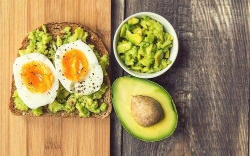 le petit-déjeuner doit comporter suffisamment de protéines