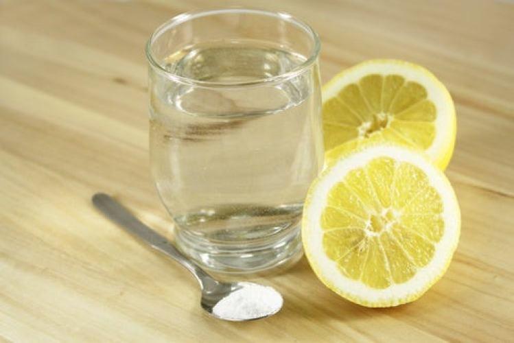 boisson au citron, sel et sucre contre l'hypotension