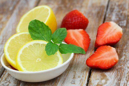 "Strawberries and lemon ""width ="" 500 ""height ="" 334 "" data-recalc-dims="