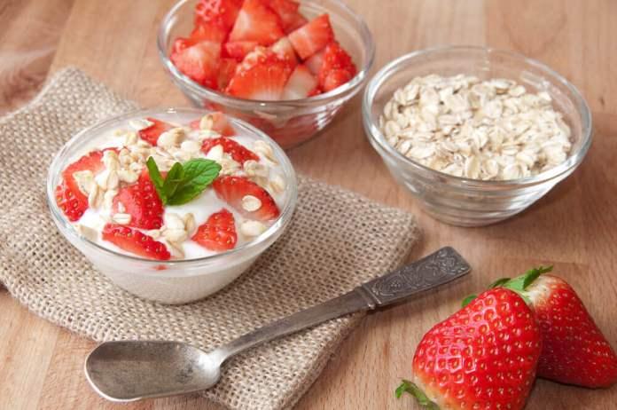 avoine et fraises à la crème