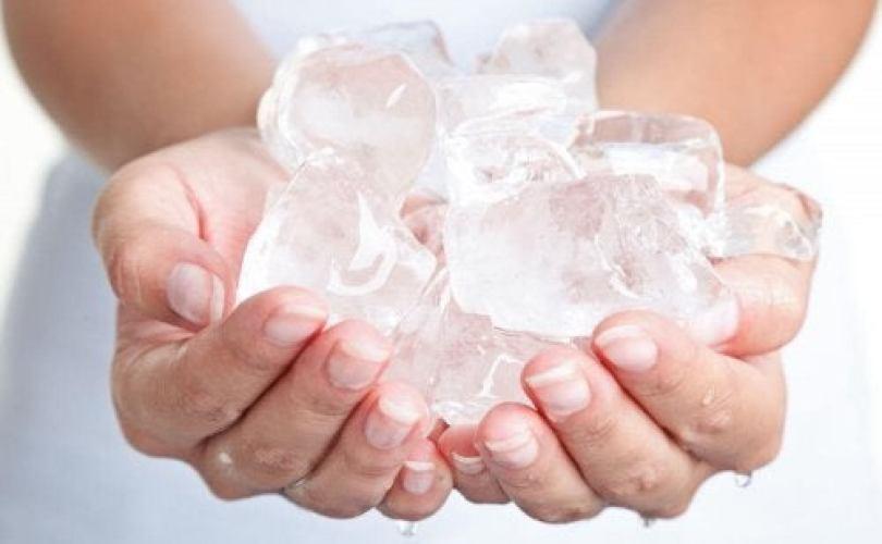 de la glace contre les maux de dents