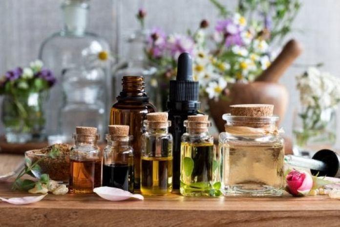remède naturel contre les maux de tête à base d'huiles essentielles