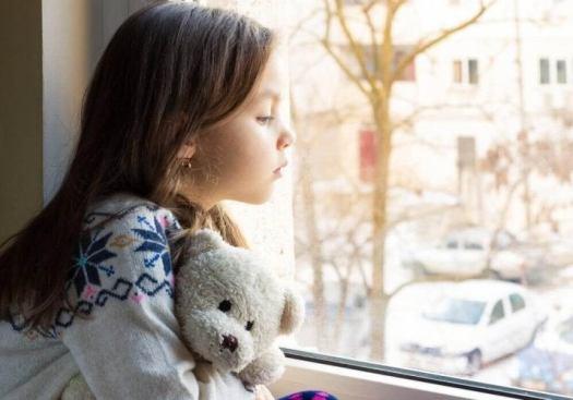 Le manque d'attention crée une carence affective