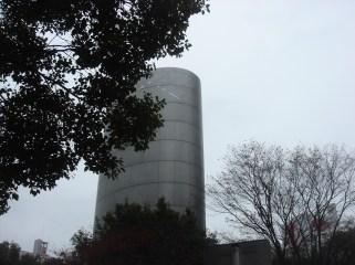 2012.01横浜風の塔