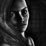 モノクロの神秘的な女性