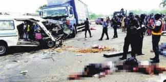 News: Truck kills 10 passengers on Lagos- Ibadan Expressway