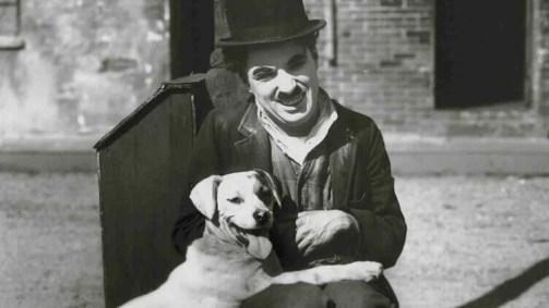 Charles Chaplin com cachorro
