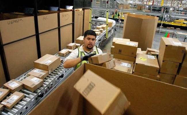Amazon Adding 7 000 Jobs In 13 States Al Jazeera America
