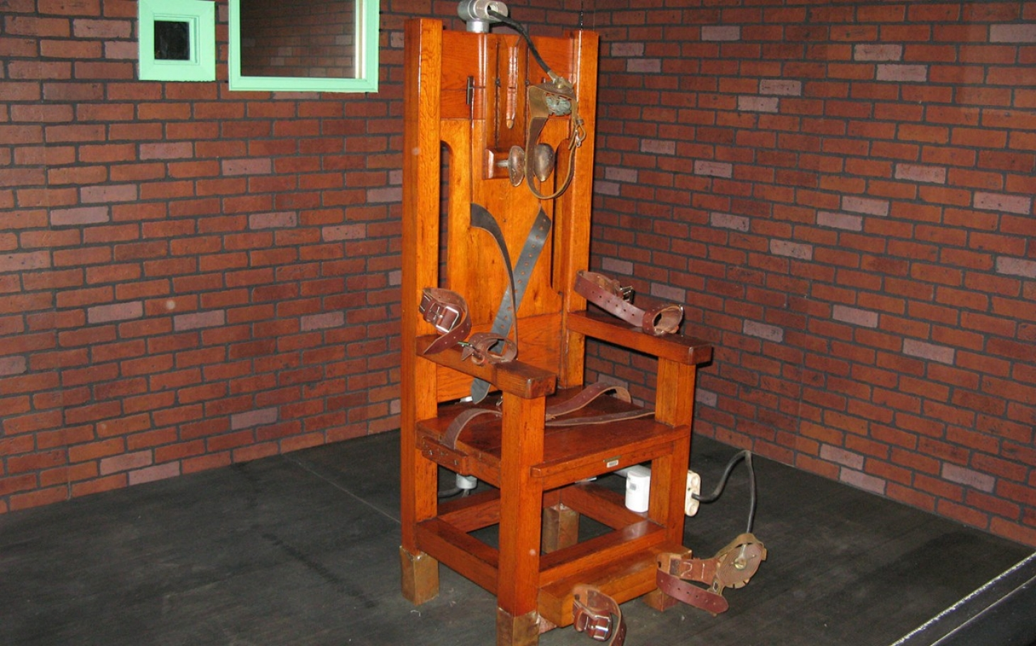 What States Still Use The Electric Chair Tennessee Brings Back Execution By Electric Chair Al
