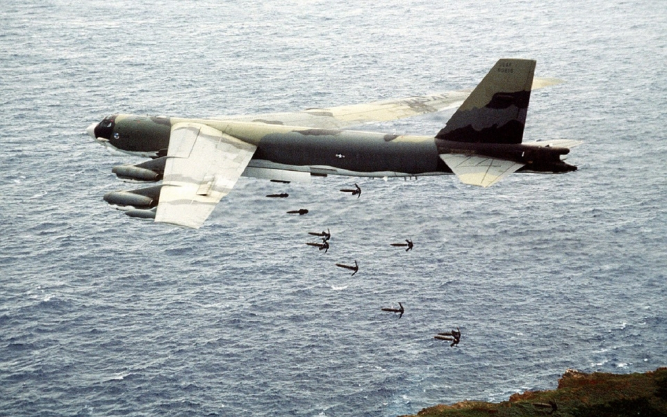 US Air Force training on Farallon de Medinilla Island Bombing Range, Marianas Islands. SSgt. B. Zimmerman, USAF/ Wikimedia Commons.