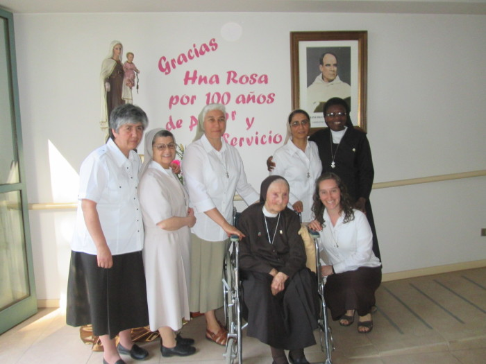 100 AÑOS AL SERVICIO DE LA IGLESIA