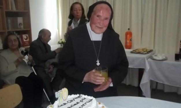 ¡HOY CELEBRAMOS 75 AÑOS DE LA HNA. CARMEN AYERDI!