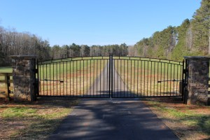 Custom Estate Gate on a Rural Driveway | America Fence