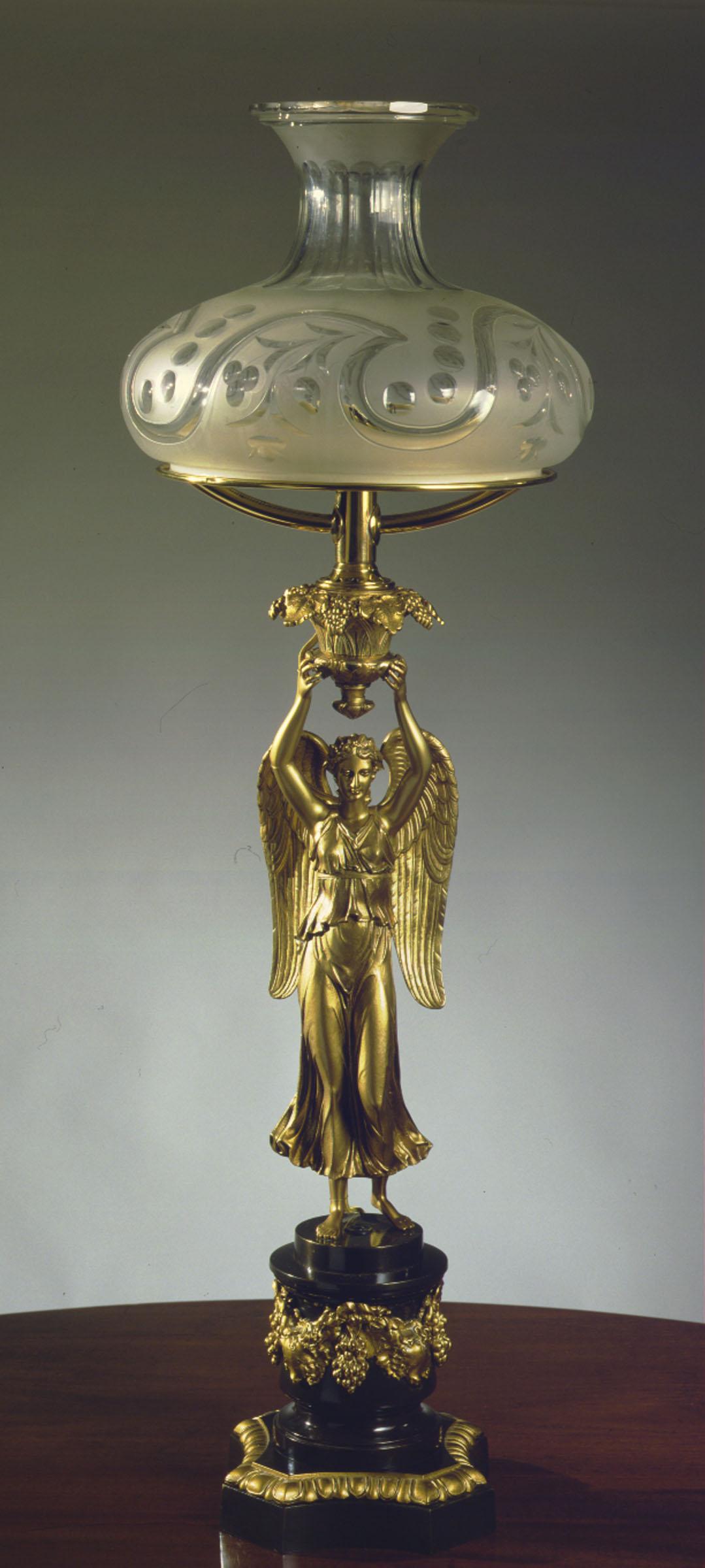 Figural Sinumbra Lamp