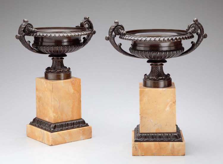 Mt-Bronze Urns w Marble Base