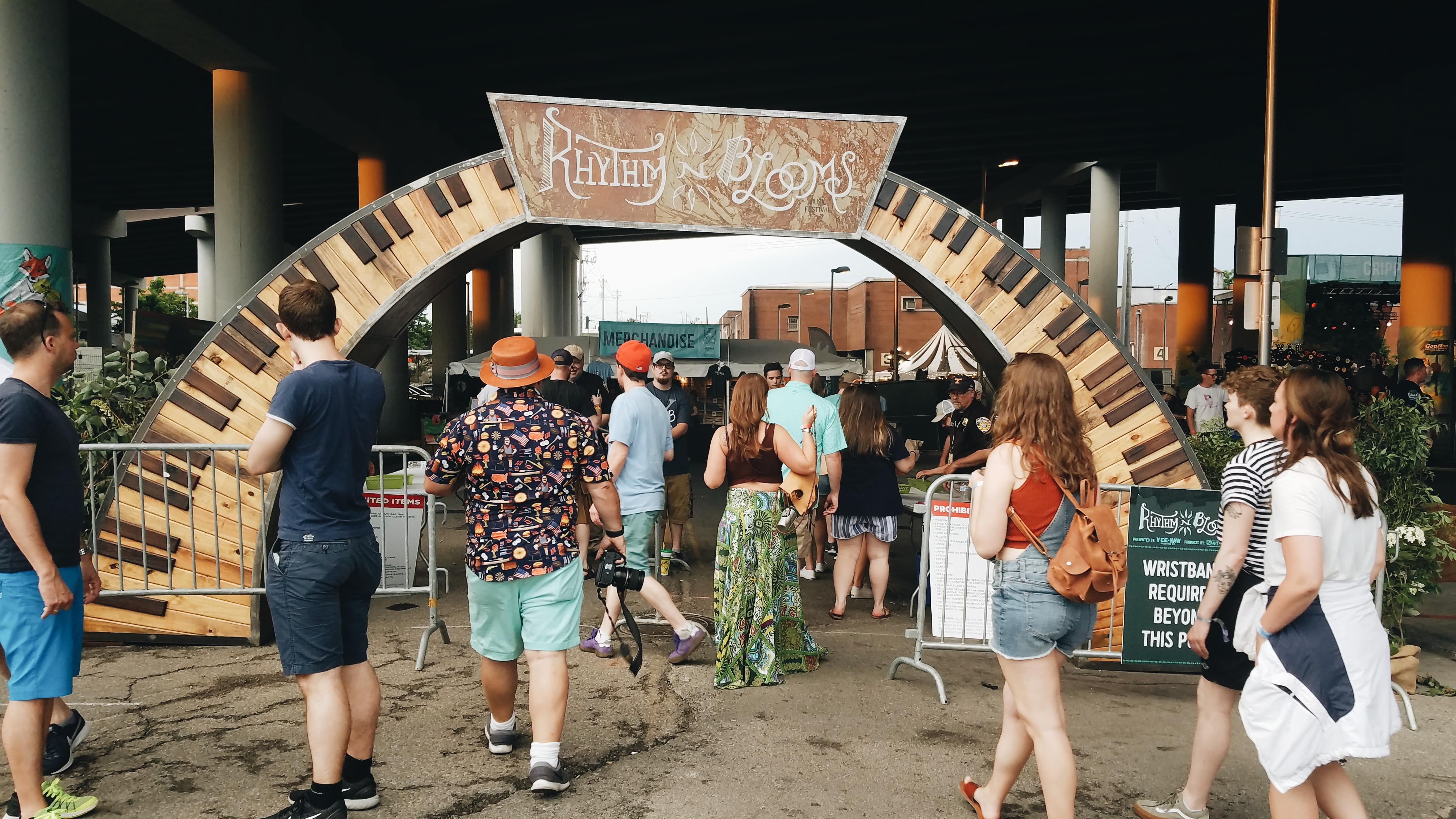 dcb8c422567 SHOW REVIEW: Rhythm 'n Blooms Festival Highlights • Americana Highways