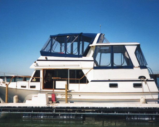 Bimini Top with Bridge Enclosure<br>& Aft Deck Enclosure