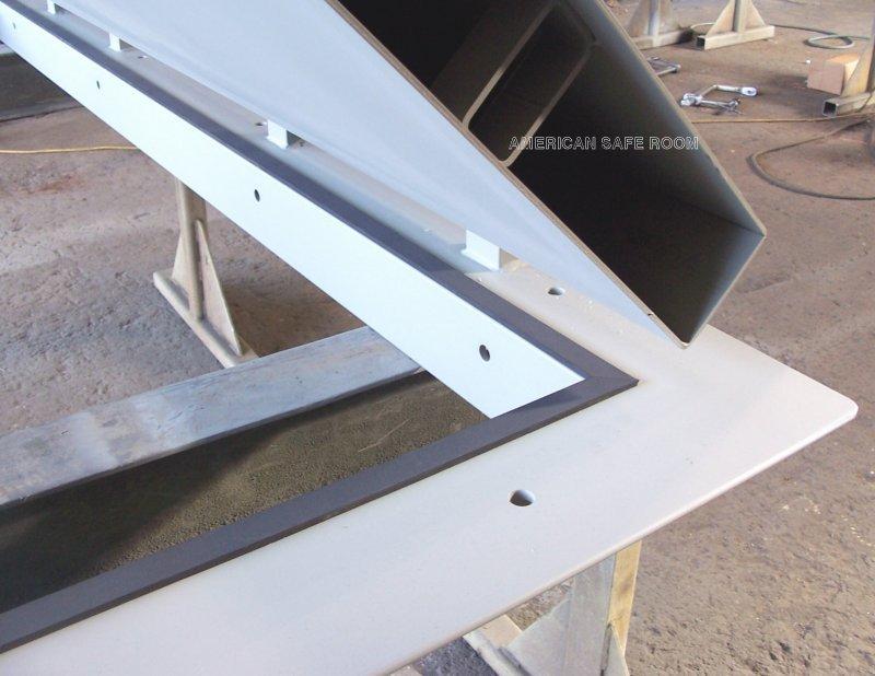 Single leaf blast resistant doors