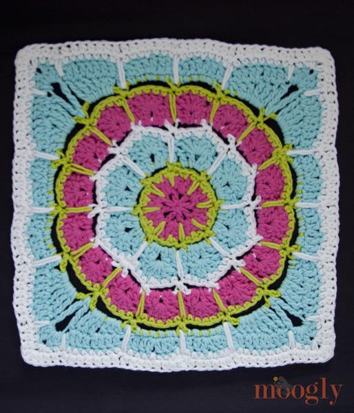 moogly-magic-spike-mandala-12-inch-square