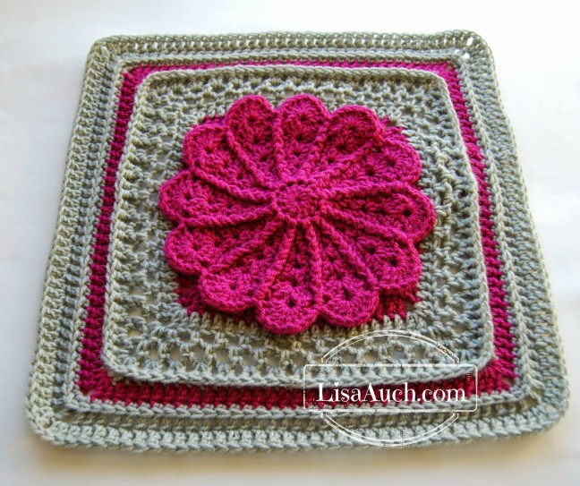 12 inch crochet sqaure - free crochet pattern main pic Lisaauch