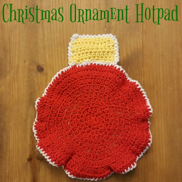 Christmas Ornament Hotpad | Crochet Pattern | American Crochet @americancrochet.com #crochetpattern