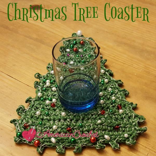 Christmas Tree Coaster | Free Crochet Pattern | American Crochet @americancrochet.com #freecrochetpattern