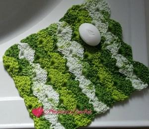 Apple Juicy Washcloth   Free Crochet Pattern   American Crochet @americancrochet.com #freecrochetpattern