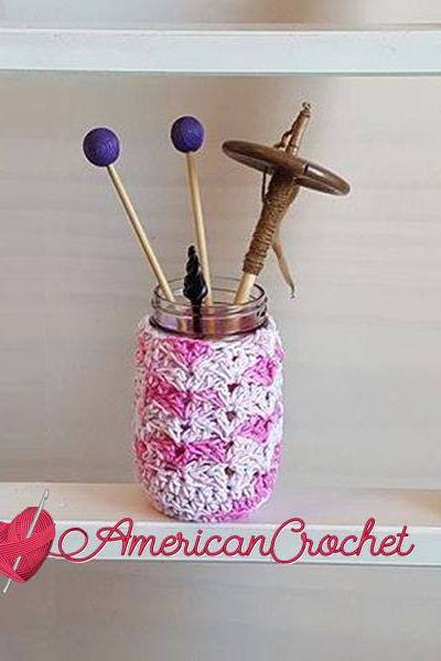Strawberry Truffle Jar Cozy free crochet pattern