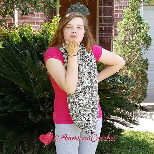 Melody's Bulky Cowl | Free Crochet Pattern | American Crochet @americancrochet #freecrochetpattern