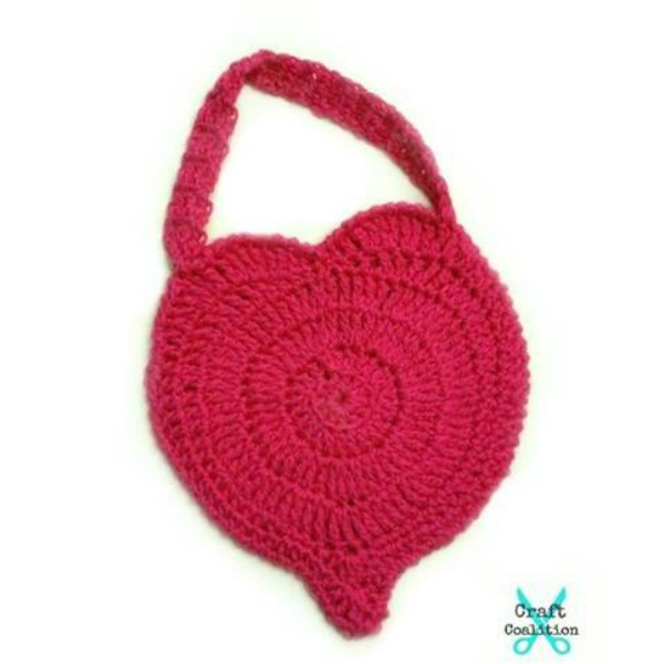 Perfect Love Heart Purse | American Crochet | Free Crochet Pattern