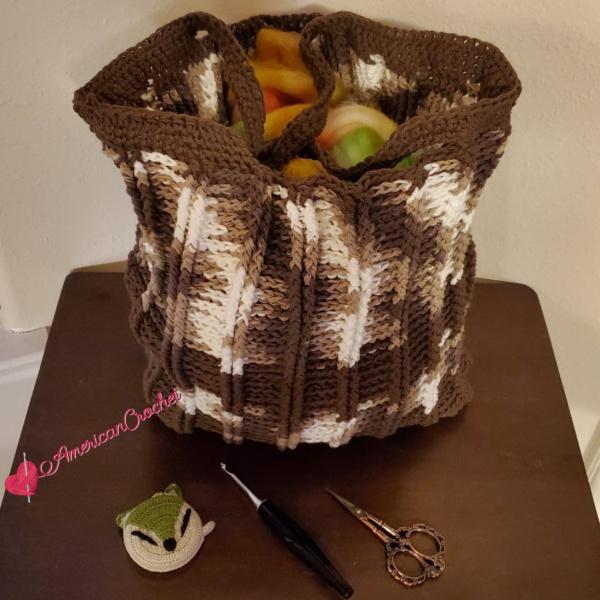 Smores Tote | Crochet Pattern | American Crochet @americancrochet.com #crochetpattern