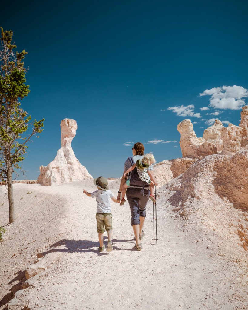 family hiking at bryce canyon national park